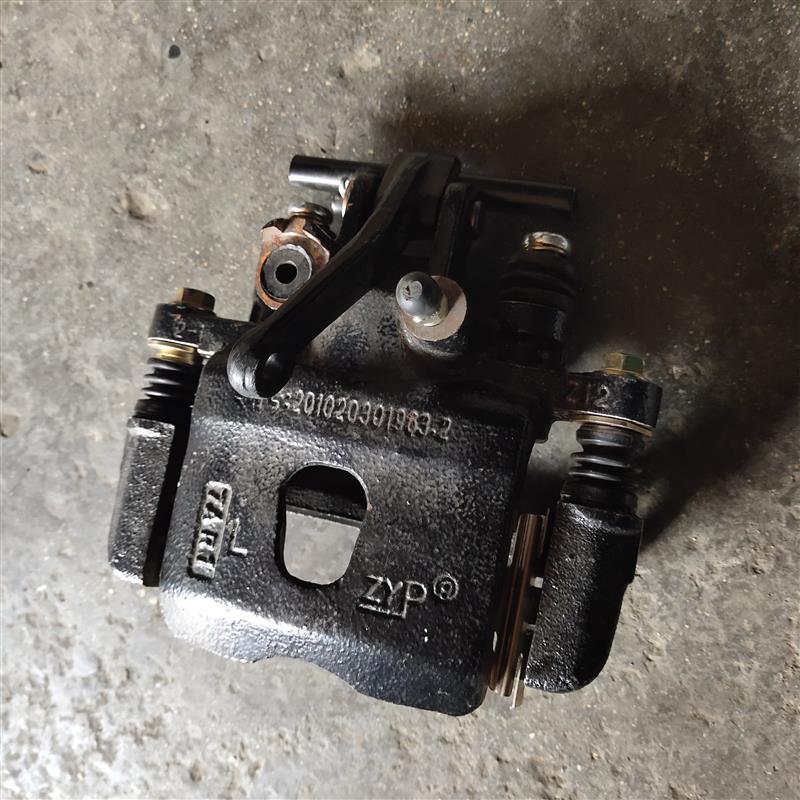 奥拓下泵代手刹