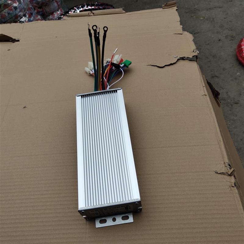 传奇二轮12管48V-64V600W控制器三模